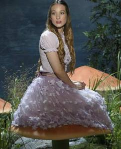 Sophie Lowe incarne Alice